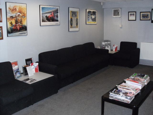 North Lincs Tyres grimsby reception area